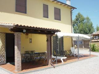 Nice 2 bedroom Farmhouse Barn in Pescia Romana - Pescia Romana vacation rentals