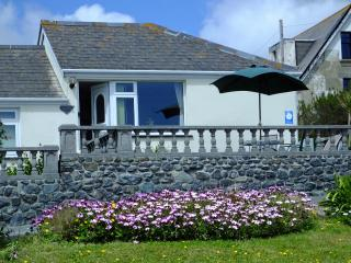 Perfect Cottage with Dishwasher and Freezer - Mullion vacation rentals