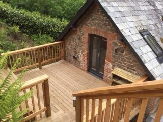 Gorgeous Condo with Deck and Internet Access - Porlock vacation rentals