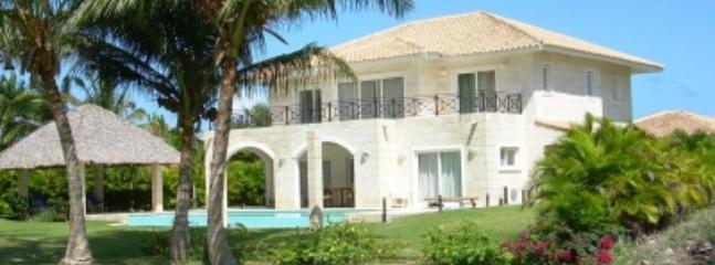 Four Bedroom Villa  to Rent in Cocotal Golf Club - Image 1 - Bavaro - rentals