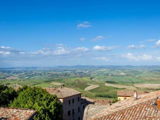 3 bedroom Condo with Internet Access in Montalcino - Montalcino vacation rentals
