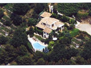 Beautiful 4 bedroom Villa in Aspremont - Aspremont vacation rentals