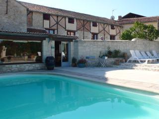 La Fosse Troglodyte, avec piscine - Doue-la-Fontaine vacation rentals