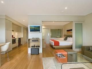 Beautiful 2 bedroom House in Kingscliff with A/C - Kingscliff vacation rentals
