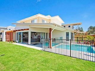 Gorgeous 3 bedroom Casuarina House with Internet Access - Casuarina vacation rentals