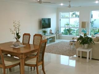 Perfect 4 bedroom House in Casuarina with Internet Access - Casuarina vacation rentals