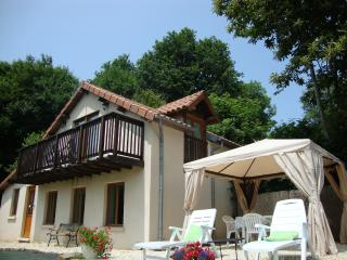 2 bedroom Cottage with Internet Access in Lanouaille - Lanouaille vacation rentals