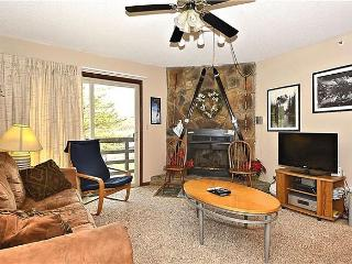 """""""Timberwolf Den"""" A condo just steps from the Timberline ski lift and lodge - Davis vacation rentals"""