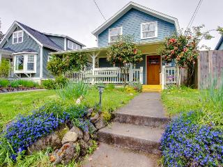 Lovely home near Alberta Street & with a wrap-around porch! - Portland vacation rentals