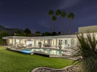 Exquisite home w/ pool, private hot tub, & game room, right on golf course - Palm Springs vacation rentals