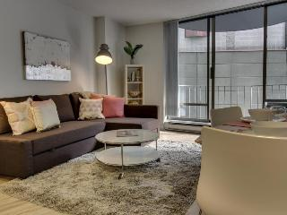 Modern downtown condo w/ seasonal pool, walk to Pike Place, eateries & more! - Seattle vacation rentals