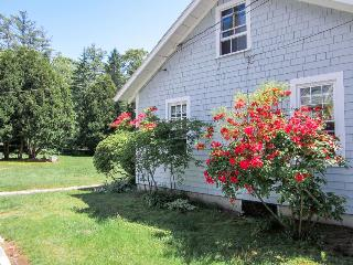 Quiet location near aquarium; minutes from Boothbay Harbor! - Boothbay Harbor vacation rentals