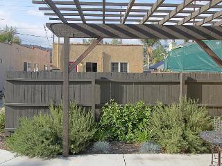 Cozy, affordable dog-friendly studio in walkable Eagle Rock - Los Angeles vacation rentals