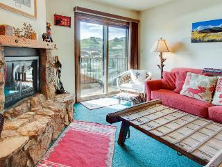 Rustic condo w/shared hot tub, close to slopes! - Crested Butte vacation rentals