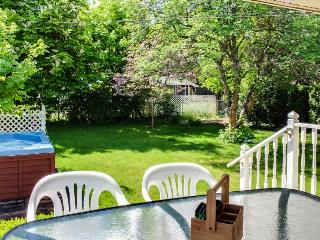 Pet-friendly lake city getaway with private hot tub awaits. - Coeur d'Alene vacation rentals