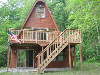 Country Cabin  - Close to Old Man's Cave - Logan vacation rentals