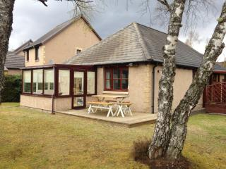 Holiday Cottage with Free Swimming Pool + Golf 5* - Aviemore vacation rentals