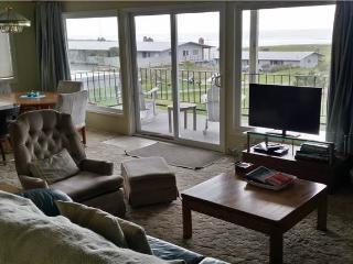 2 bedroom Condo with Water Views in Gearhart - Gearhart vacation rentals
