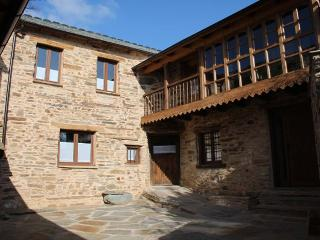 Casa Rural Valle del Duerna - Province of Leon vacation rentals