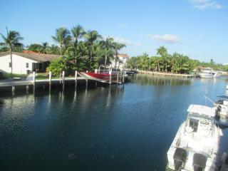 Condo in North Miami, excellent location, modern - North Miami vacation rentals