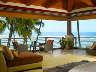 Gorgeous Villa with Water Views and Hot Tub - Waikiki vacation rentals
