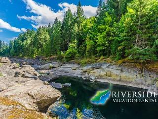 Dog and Family Friendly Riverside Vacation Rental - Nanaimo vacation rentals