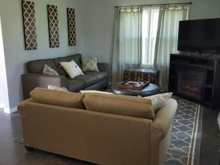 Modern Cozy Home w/ Fabulous View in Chase County! - Strong City vacation rentals