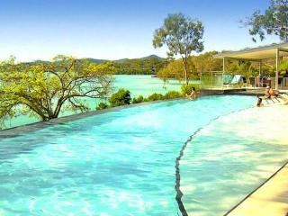 Edge 2 Stunning 3 bedroom villa - Hamilton Island vacation rentals