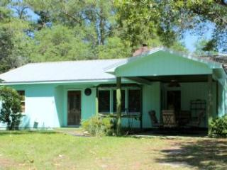 Cozy 3 bedroom House in Oak Island with DVD Player - Oak Island vacation rentals