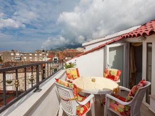 Holiday home Denis(2514-6413) - Makarska vacation rentals
