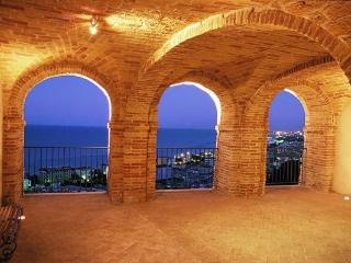 Romantic 1 bedroom Grottammare Apartment with Satellite Or Cable TV - Grottammare vacation rentals