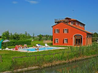 Comfortable Condo in Jesolo with Internet Access, sleeps 6 - Jesolo vacation rentals