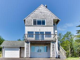 Homey, spacious dog-friendly house w/beach & ocean views! - Netarts vacation rentals