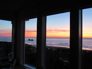 Gorgeous oceanview home with two kitchens, game room, wetbar - Rockaway Beach vacation rentals
