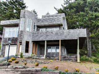 Lovely house with views of the ocean & Haystack Rock, close to beach! - Cannon Beach vacation rentals