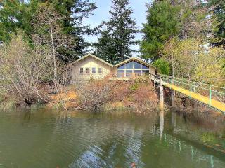 Boat access only - secluded getaway with tons of room! - Lakeside vacation rentals