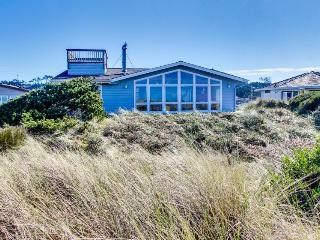 Oceanfront, dog-friendly home just steps from the beach w/ shared pool - Waldport vacation rentals