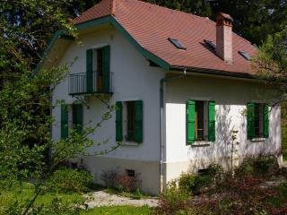 ST-JORIOZ, Maison de famille, proche lac, 9 PERS. - Annecy vacation rentals