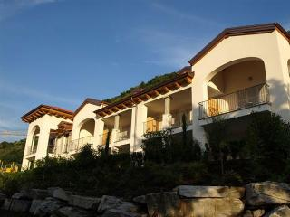 Charming 2 bedroom Cannobio Condo with Internet Access - Cannobio vacation rentals