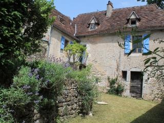 Charming Cottage with Tennis Court and Cleaning Service - Marcilhac-sur-cele vacation rentals