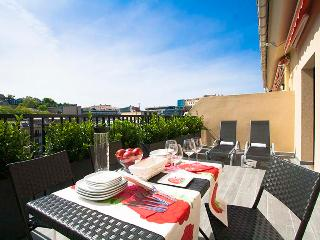 2 bedroom Condo with Internet Access in San Sebastian - San Sebastian vacation rentals