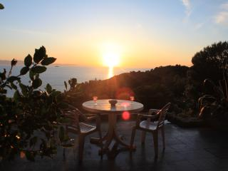 House with sea view on Elba 10 min walk from beach - Patresi vacation rentals