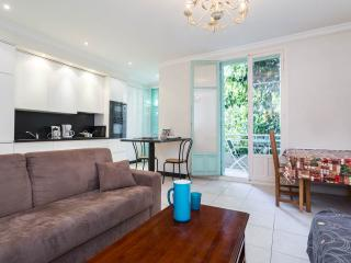 Beautifully renovated 2 bedroom apartment in Nice - Nice vacation rentals