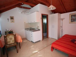 Beautiful Supetar Studio rental with Internet Access - Supetar vacation rentals