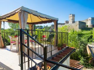 Romantic 1 bedroom Condo in Poggibonsi with Deck - Poggibonsi vacation rentals