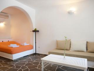 1 bedroom B&B with Internet Access in Apollonia - Apollonia vacation rentals
