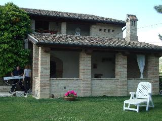 Nice 4 bedroom Farmhouse Barn in Stella di Monsampolo with Deck - Stella di Monsampolo vacation rentals
