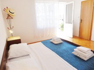 Apartment in Trogir very close to beaches and town - Trogir vacation rentals