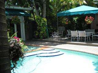 Cozy Condo with Internet Access and Garden - Key West vacation rentals