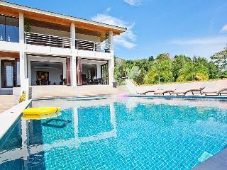 Convenient Villa with Balcony and Private Outdoor Pool - Coral Island (Koh Hae) vacation rentals